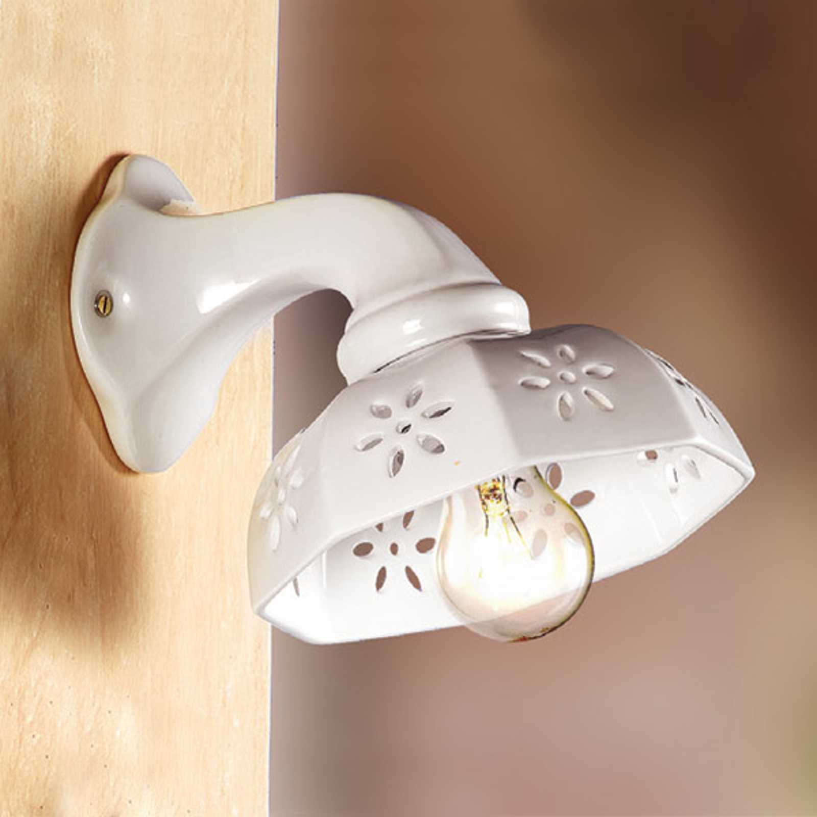 Hvid keramik-væglampe SCODELLINA