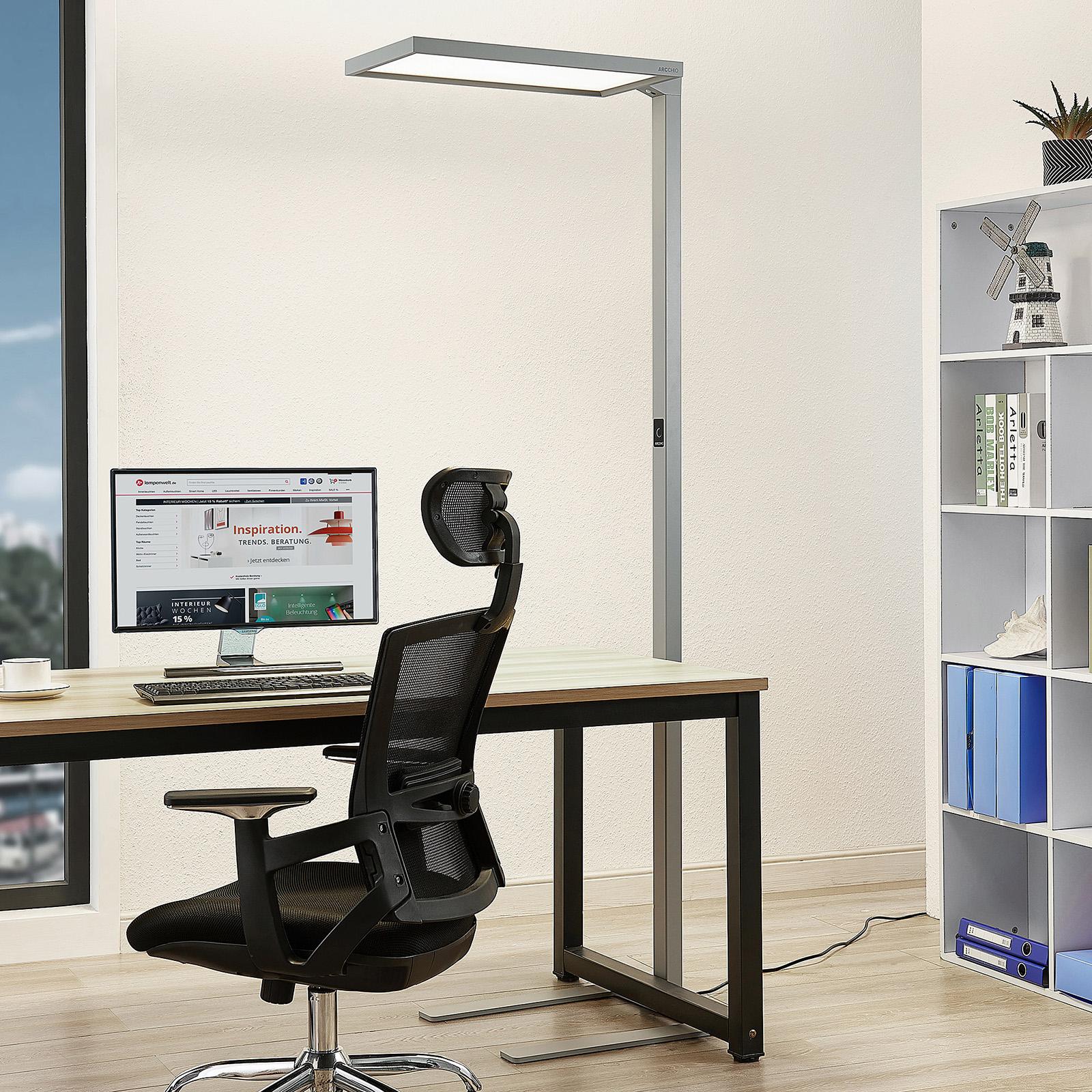 Arcchio Nelus LED-gulvlampe, bevægelsessensor