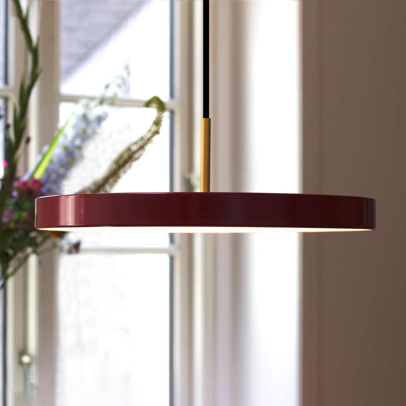 UMAGE Asteria medium LED-hänglampa mässing röd