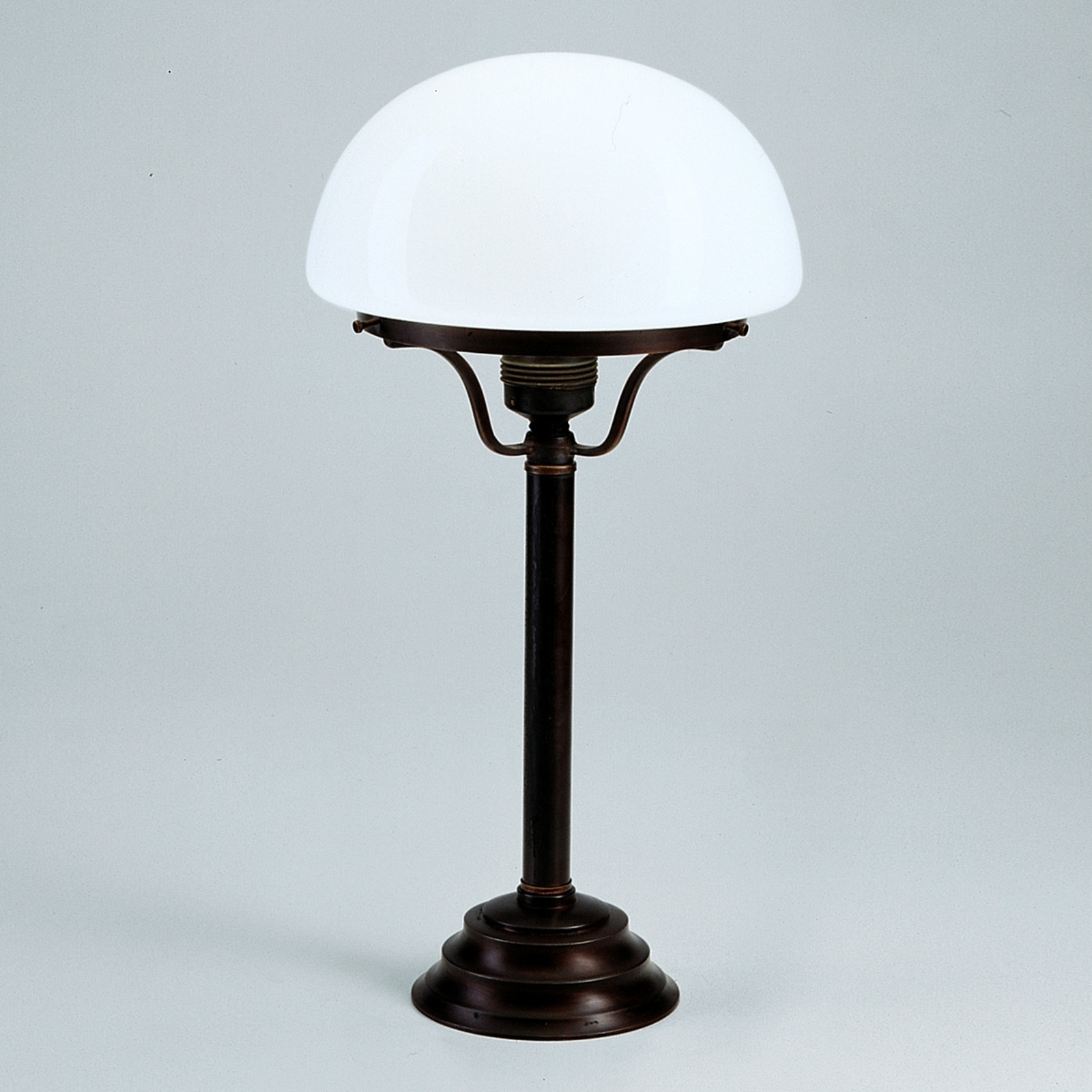 Frank table lamp with antique/rustic appearance_1542048_1